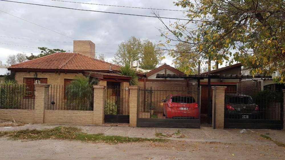 Excelente propiedad Quintas de Arguello 3 dormitorios 220mts2 Cubiertos