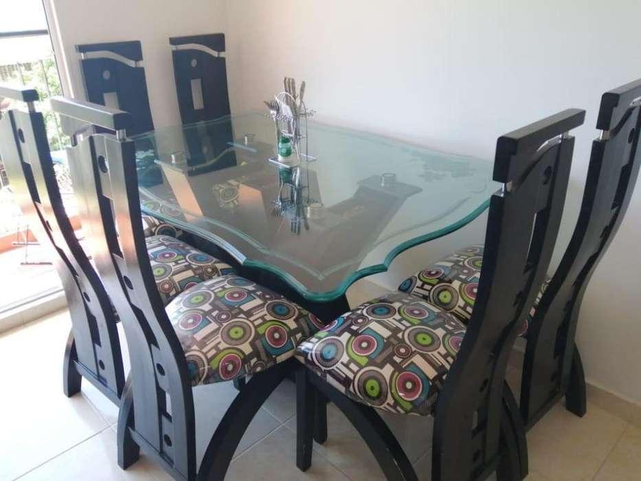 se vende <strong>comedor</strong> y muebles
