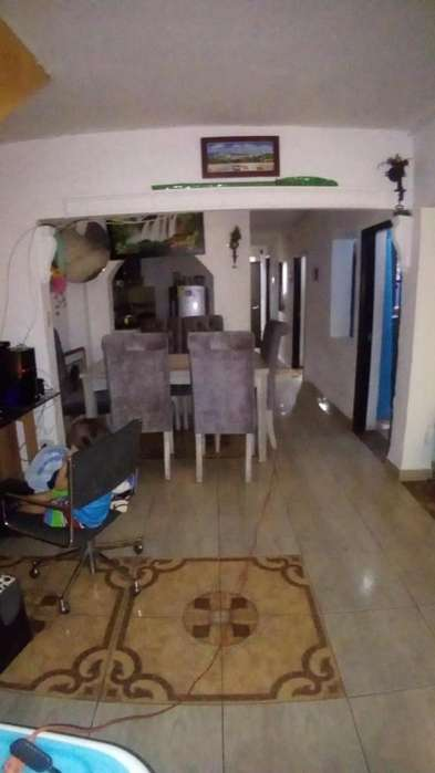 Casa En Venta En Medellin Manrique Oriental Cod. VBRAS-202