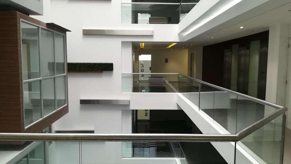 Última oficina de 150 m2 en venta, la mejor ubicación de Miraflores, entrega inmediata