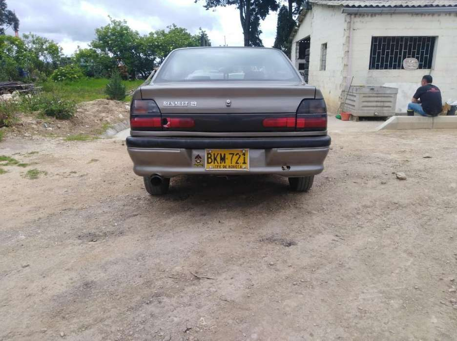 Renault R19 1998 - 214774 km