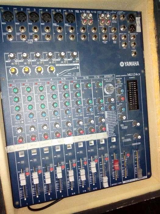 Consola Yamaha Mg124 Cx