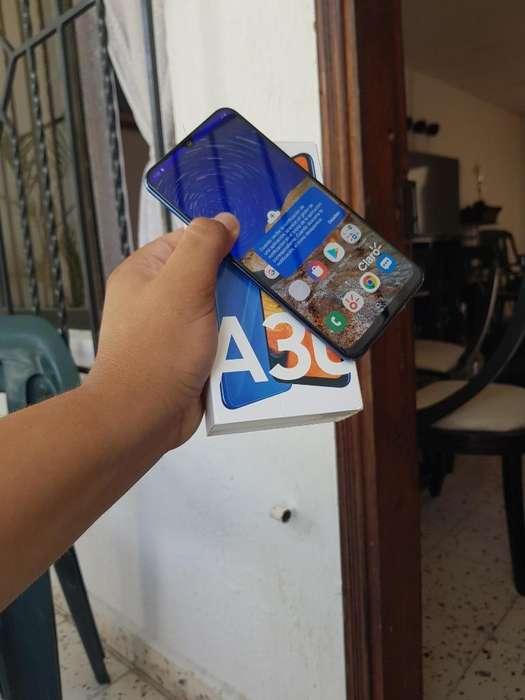 Vendo Samsung Galaxy A30 Color Blue Lind