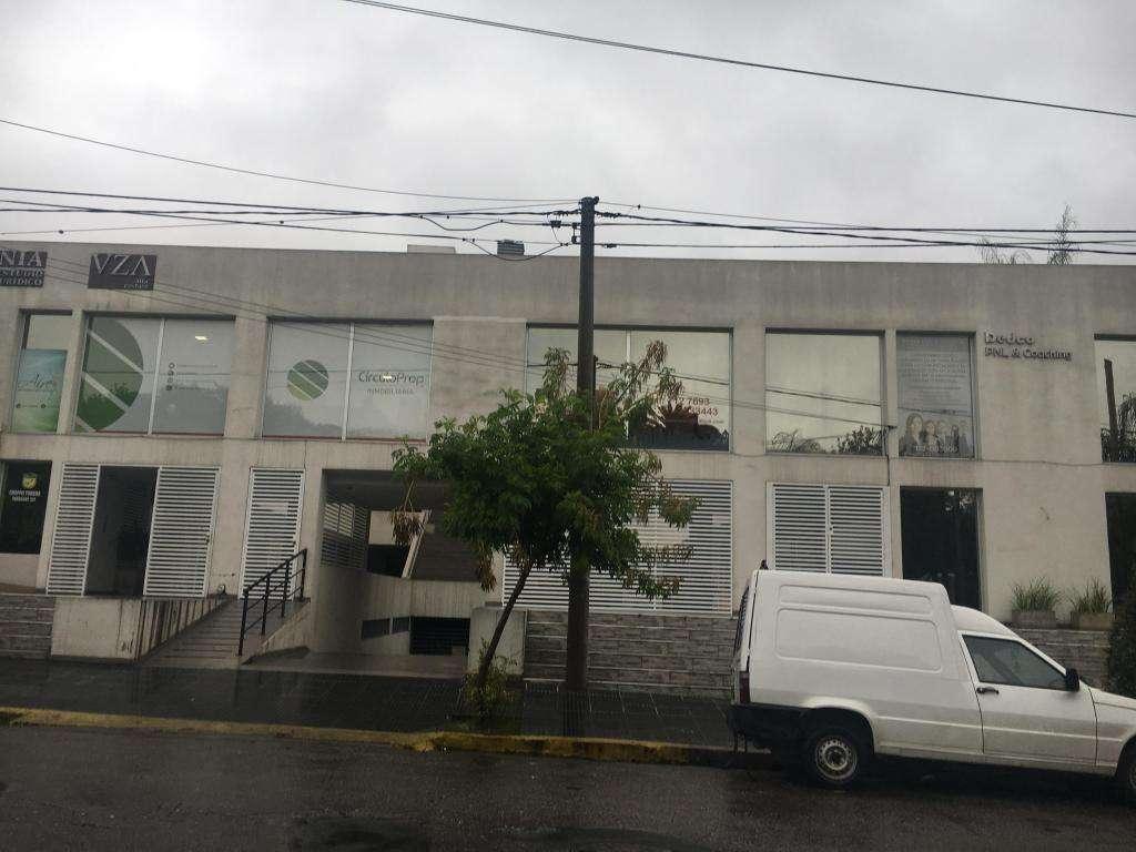 ALQUILO OFICINA ZONA TRIBUNALES Y NUEVO CENTRO SHOPPING