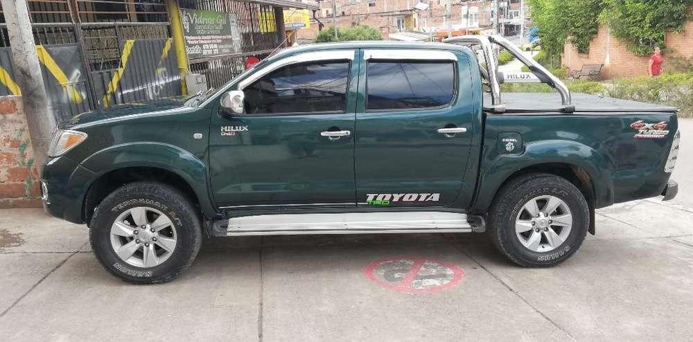 Toyota Hilux 2008 - 128700 km
