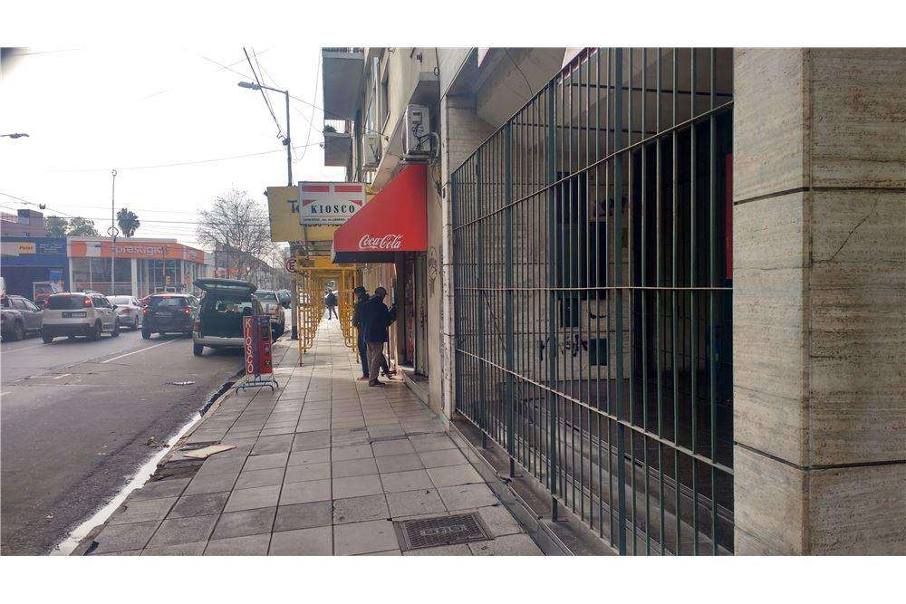 Gran Local comercial. 416m2. Excel ubic Avellaneda