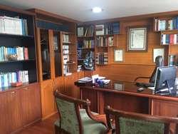 Venta oficina Av. Amazonas y Av. 18 de Septiembre La Mariscal cerca Parque El Ejido