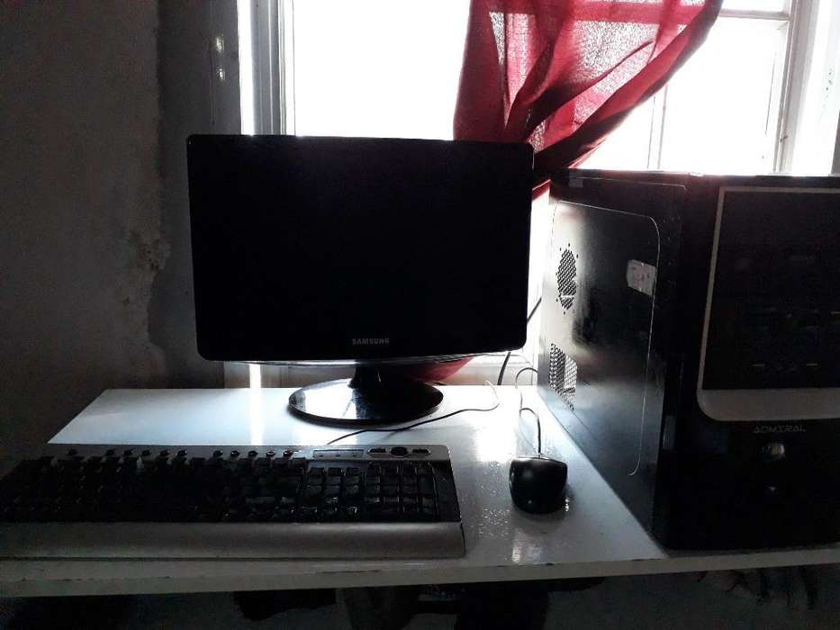 Cpu Admiral con <strong>monitor</strong> Lcd 19p