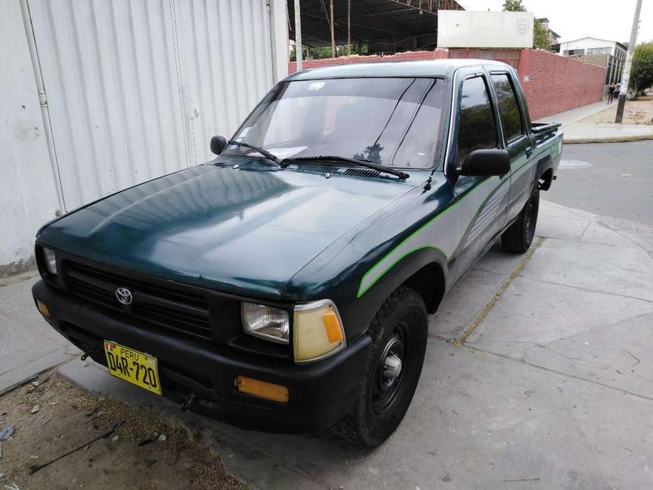 Toyota Hilux 1994 - 200000 km