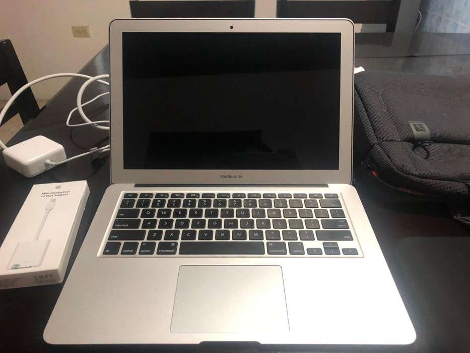 MACBOOK AIR 2 MESES DE USO