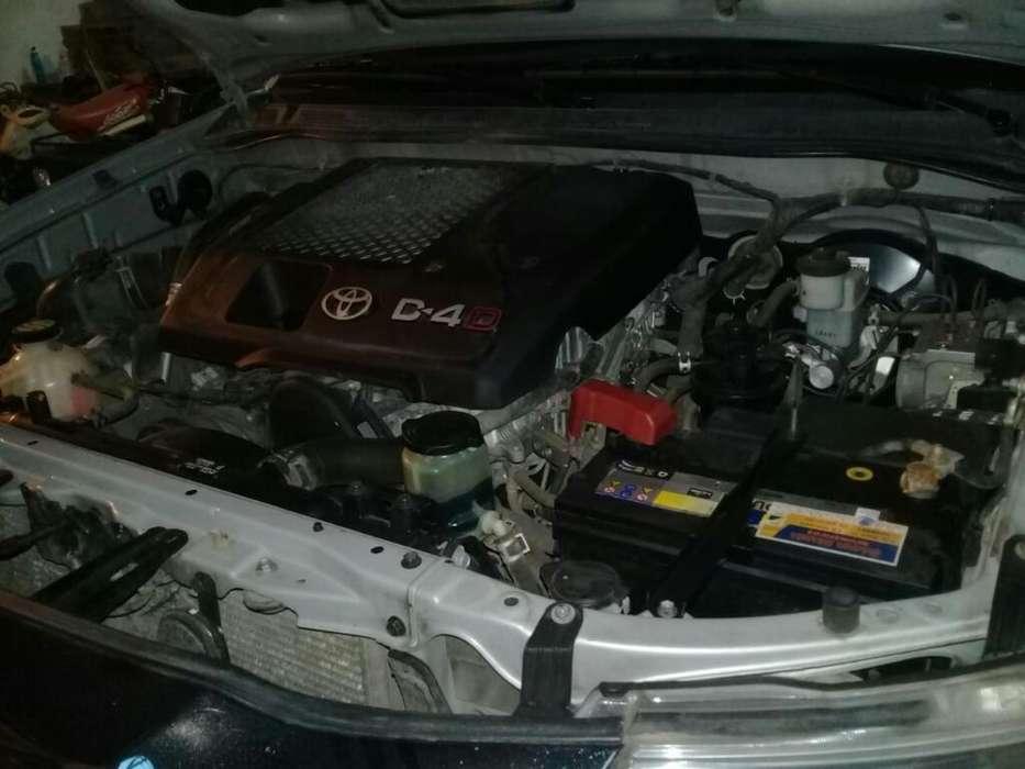 Nissan Frontier 2012 - 100000 km