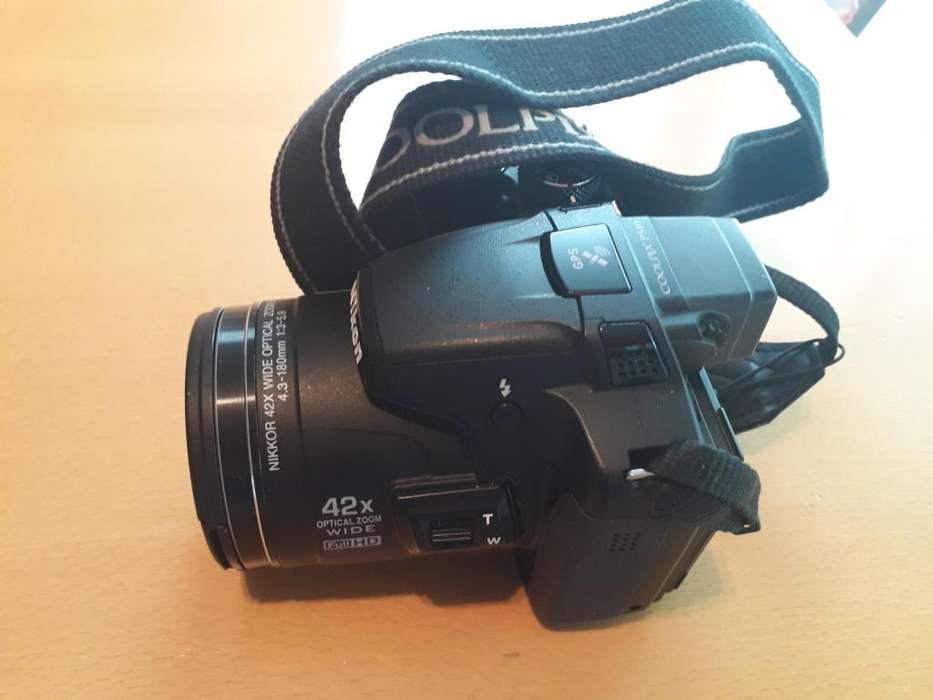 Camara fotogrfica semiprofesional Nikon incluye accesorios