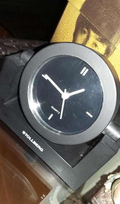Reloj de <strong>escritorio</strong> o mesa Quartz a pila