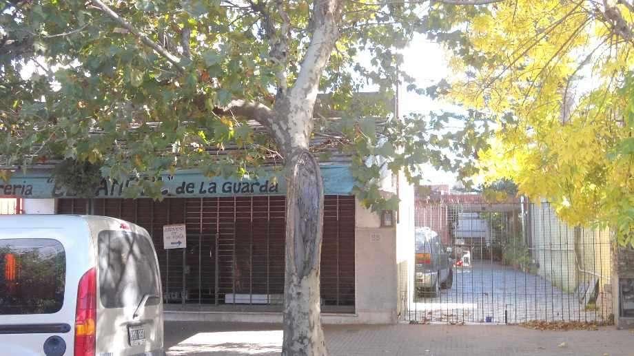 Local con Vivienda en venta en Ezpeleta Este