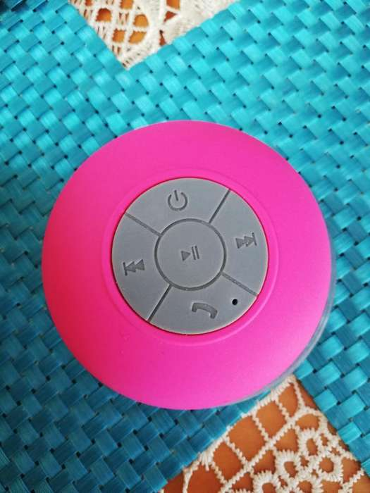 Vendo Bocina Bluetooth Nueva