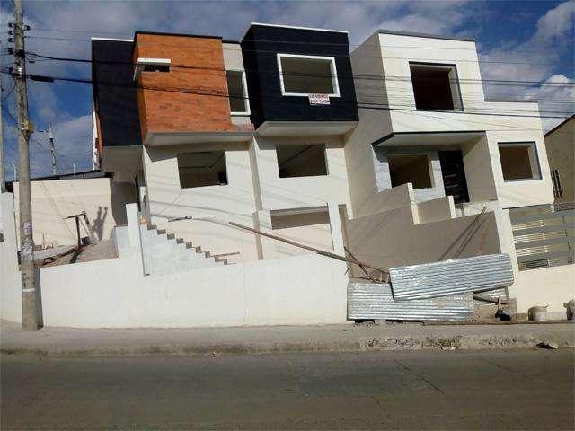 Villa de venta en la Calle el Sarar sector Oro Verde