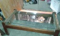 Mesa ratona cedro con vidrio