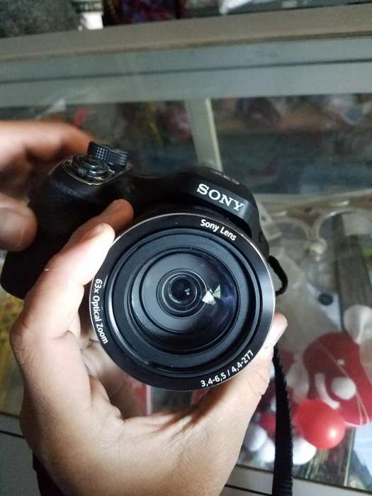 <strong>camara</strong> Sony Dsc H400