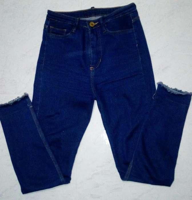 5b92bb4b7 Jean para mujer talla 8 tiro alto azul claro, licrado , bota tubo, bota
