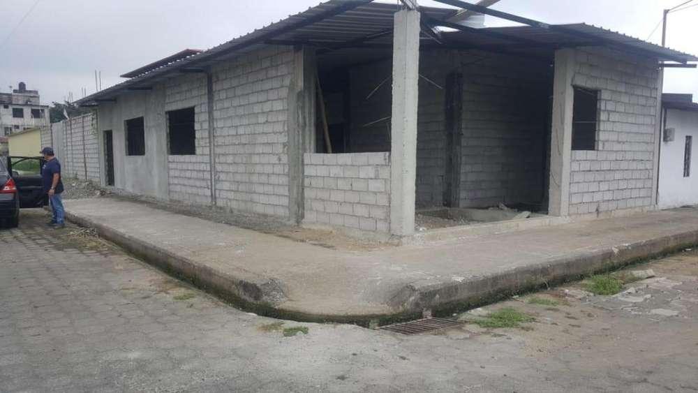 casa esquinera en construccion