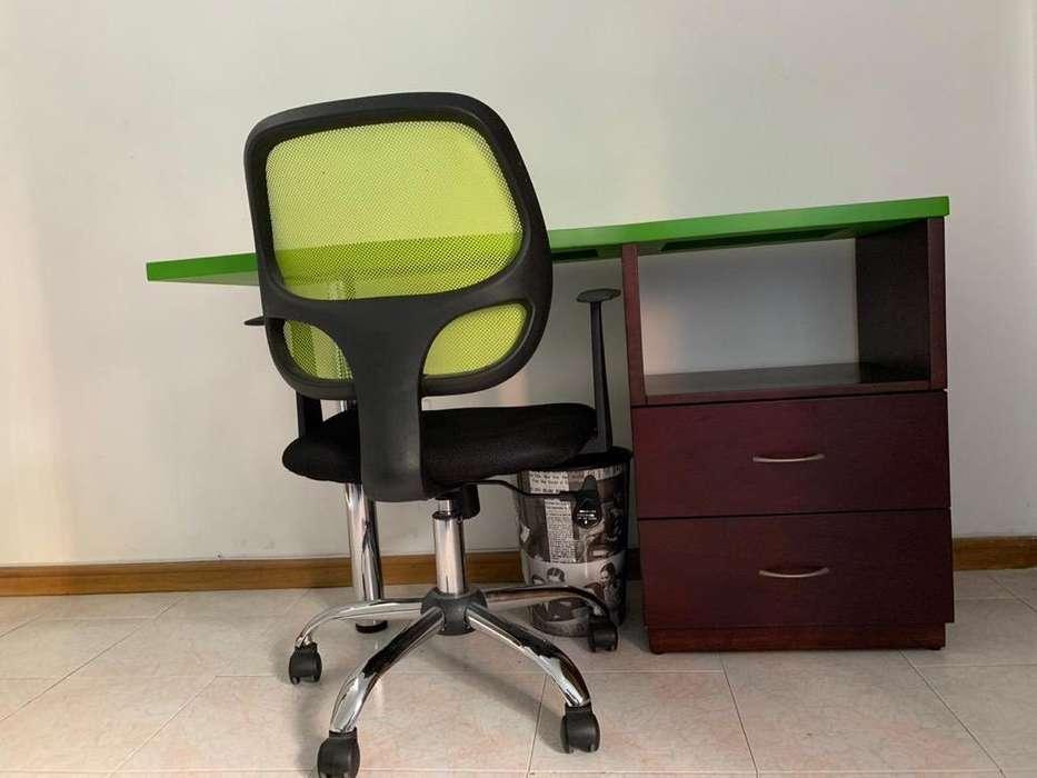<strong>escritorio</strong> sin Silla