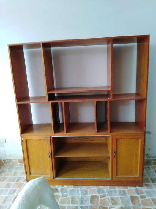 Vendo Cambio Mueble de Madera para Sala