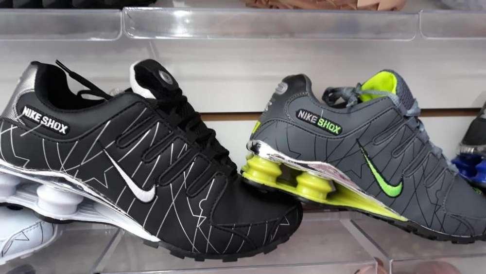 Zapatillas Nike con Tapones