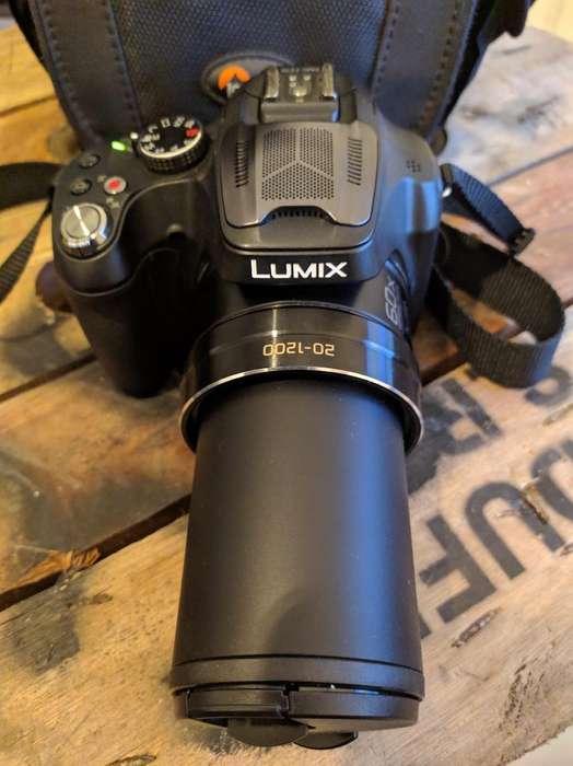 Líquido Panasonic Lumix Fz70 Como Nueva