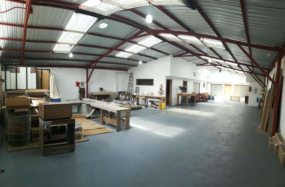 Galpon de Venta 300 m² Sector Norte - Santa Lucia