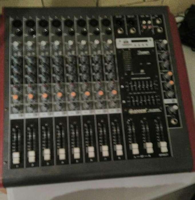 Amplificador de 8 Canales.