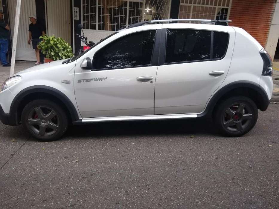 <strong>renault</strong> Sandero Stepway 2014 - 100 km