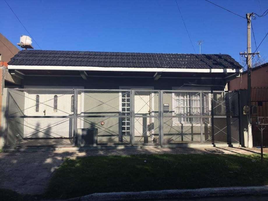 Casa en alquiler en Quilmes Este