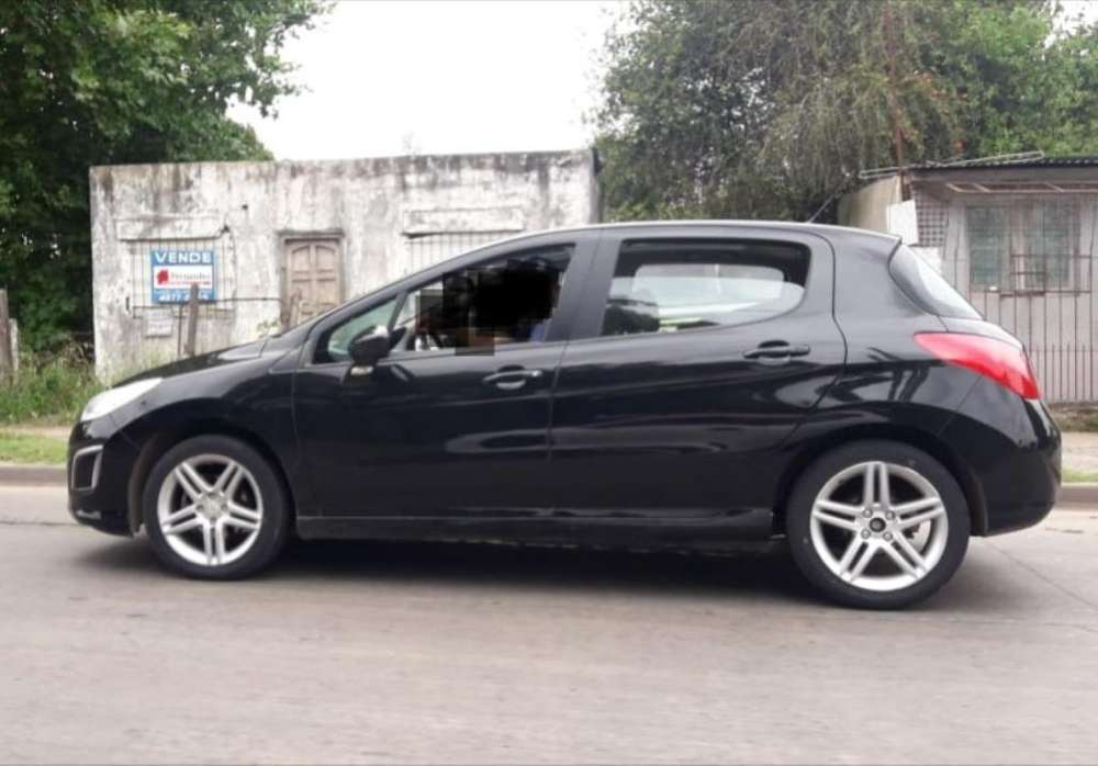 Peugeot 308 2012 - 93000 km