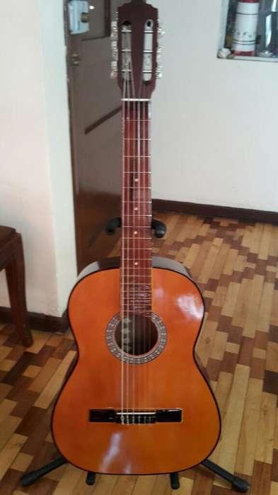 Guitarra Clásica en Madera de Capuli