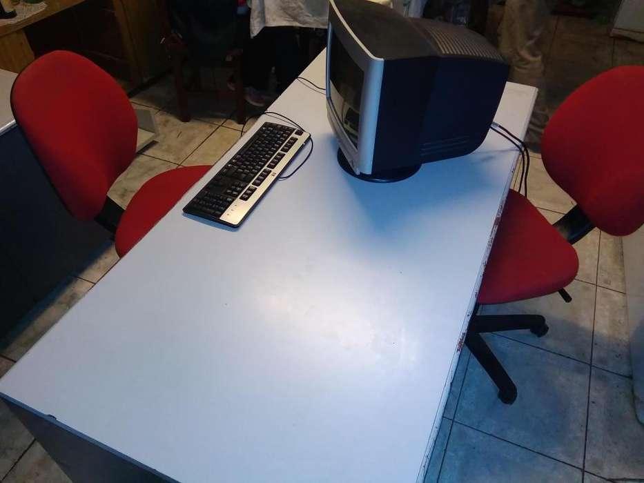 juego de oficina , 1 escritorio , 1 silla , 2 monitores , 2 porta cpu