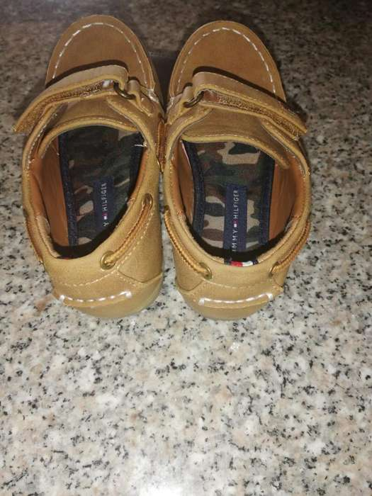 Vendo Zapatos Tommy Hilfiger Talla 9