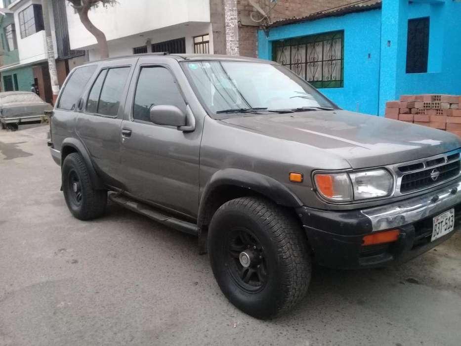 Nissan Terrano 1996 - 273000 km