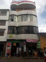 Local Comercial 75 m2 cel 976060350