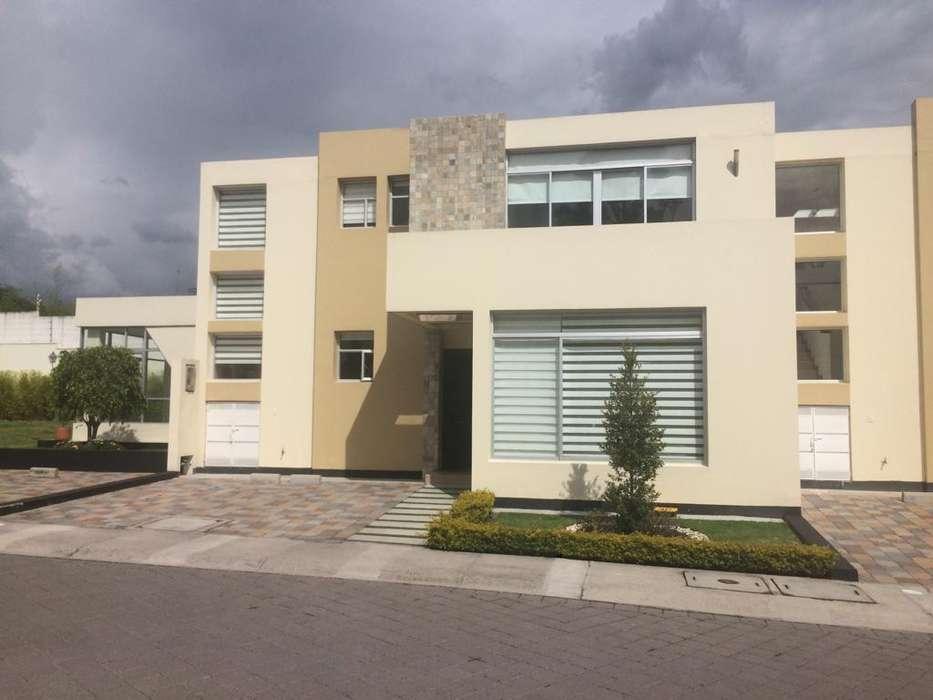 Hermosa casa de venta de oportunidad en tumbaco sector el Arenal