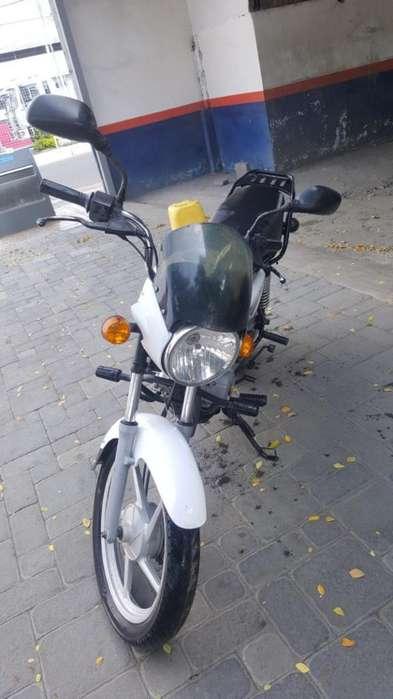 Moto 150 Boxer en Buen Estado