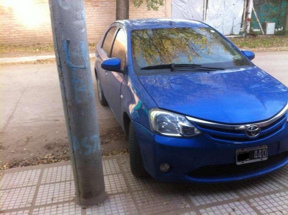 Toyota Etios 2014 - 100 km