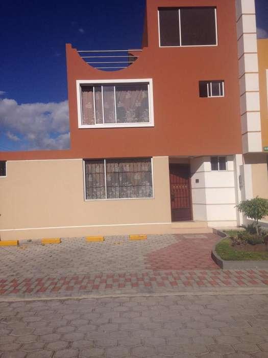 Arriendo Casa acogedora en Conocoto