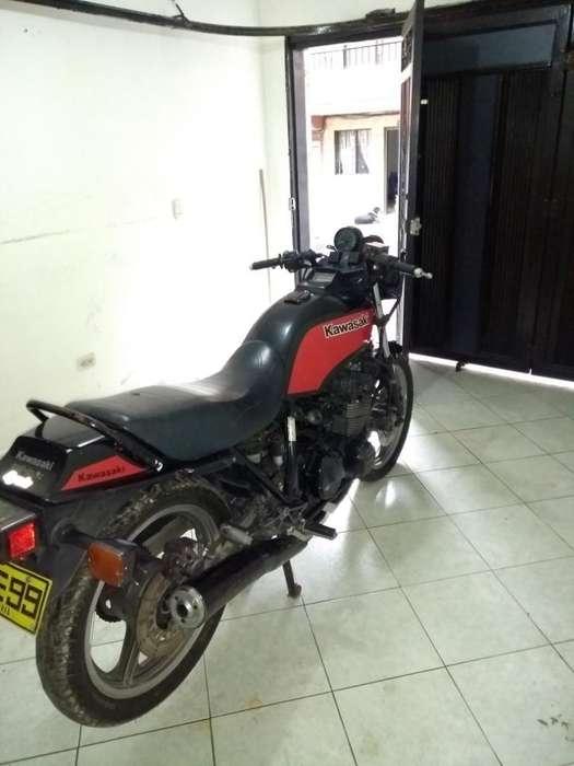 Vendo <strong>kawasaki</strong> Gps 550