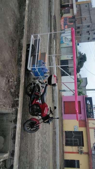 Hermosa Moto con Carroza