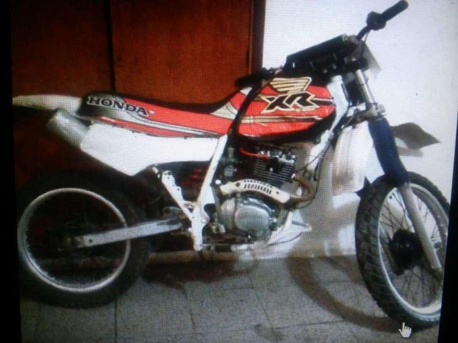 Vendo con Permuta Honda 200cc.1126073019