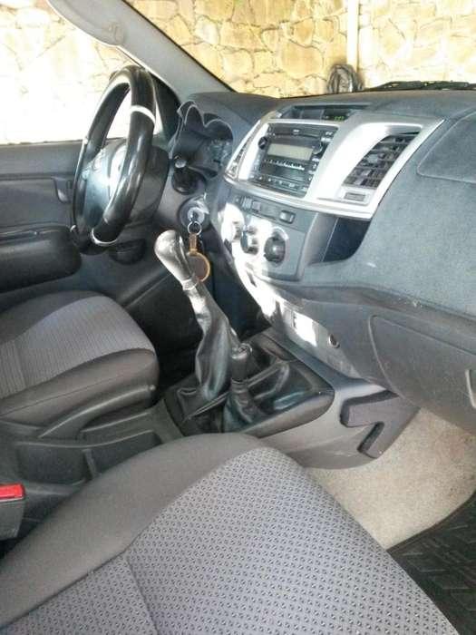 Toyota Hilux 2013 - 170000 km