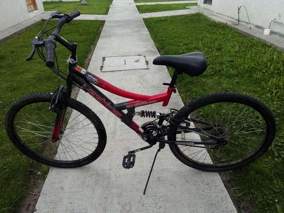 <strong>bicicleta</strong> casi nueva