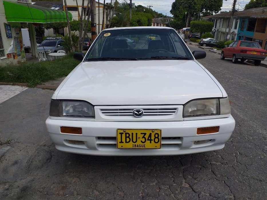 Mazda 323 2000 - 245000 km