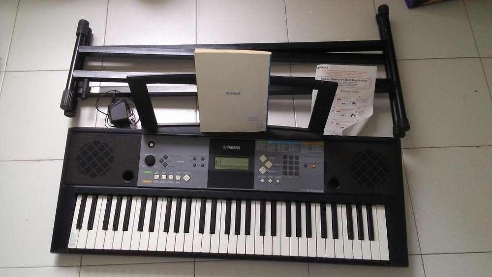 Teclado Yamaha psrE233