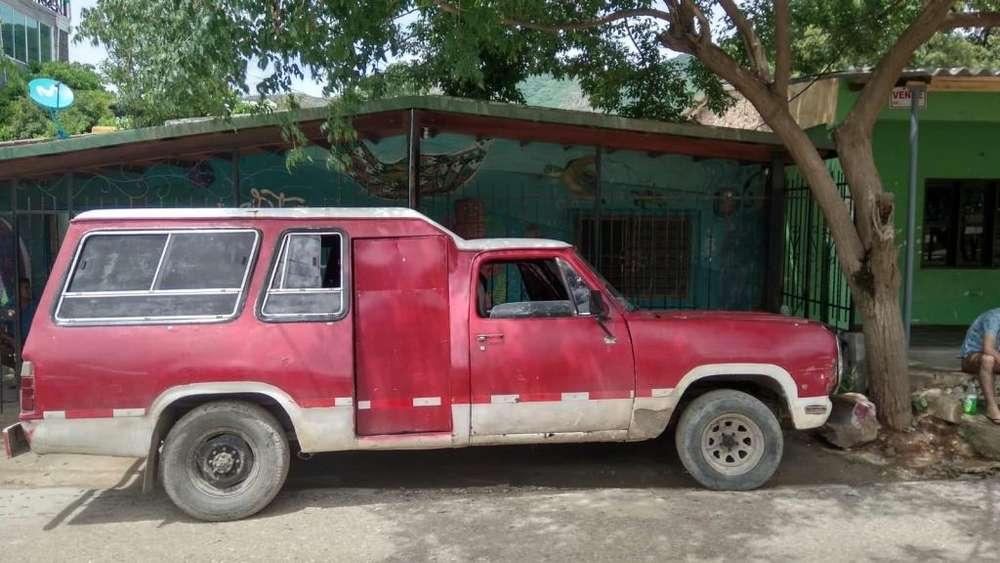 Dodge D-100 1977 - 300000 km